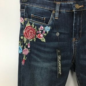NWT Blank NYC Embroidered Skinny Jeans Distressed